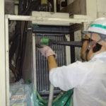 70 自動車部品工場のオイルコンを洗浄