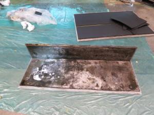 汚れた状態の筐体パネル断熱材