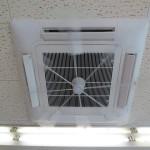 天カセ4方向形の「エアコン洗浄」