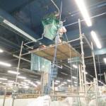 プラスチック部品成形工場の「エアコン洗浄」 エアコン5馬力×24台