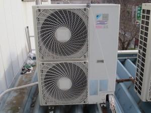 エアコン室外機-1