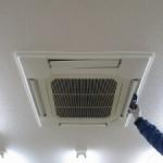 鎌ヶ谷市、管工事会社事務所の「エアコン洗浄」