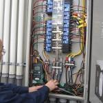 食品工場「エアコン洗浄後」の電気代の削減を計測